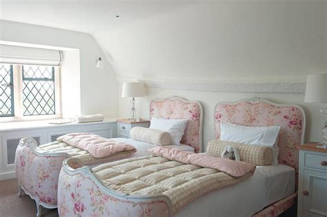girls shabby chic bedroom ideas girls cottage bedroom design ideas