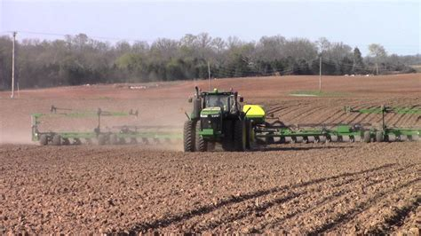 deere 9470r 4wd and 36 row db90 corn planter