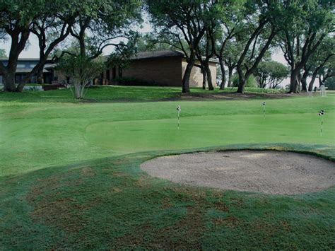 backyard golf green putting greens com backyard golf green photos