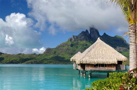 Luxury Couples Retreat For Luxury St Regis Bora Bora Resort