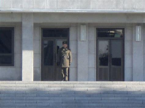 Door Guard Korea Putih 4corners7seas