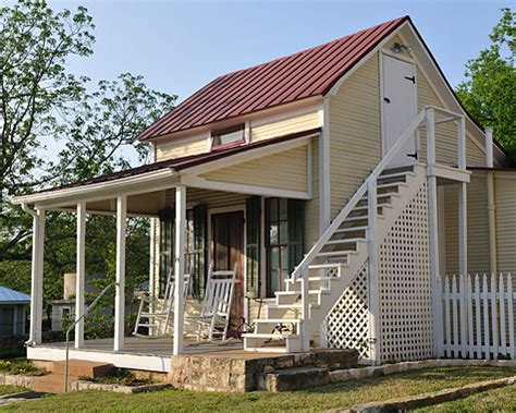 2 Story Cottage by Unique Two Story Tiny Cottage Tiny House Pins