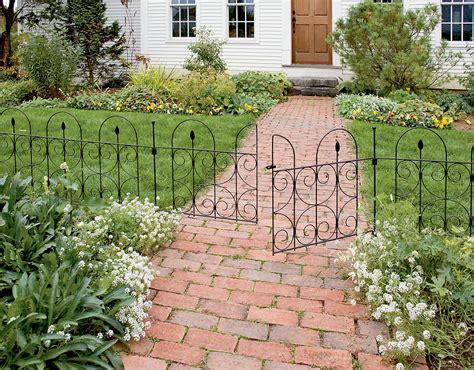 Decorative Garden Border Fence by Garden Border Fence Design Fence Ideas Ideas For Make