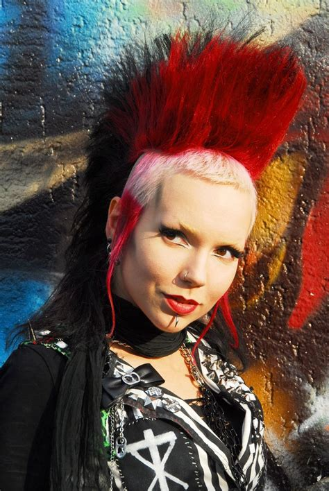 halloween punk hairstyles 433 best mohawks for girls images on pinterest hair cut