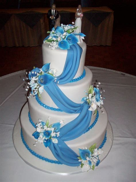 Calumet Bakery Wedding cake with cornflower blue fondant