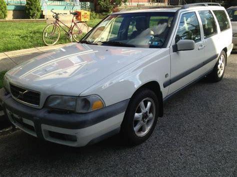 buy   volvo  xc awd se wagon  door   newport kentucky united states