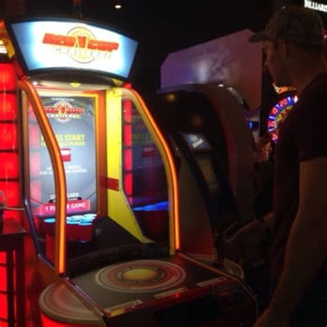 Dave And Busters Pool Table Prices by Dave Buster S Honolulu Hi United States