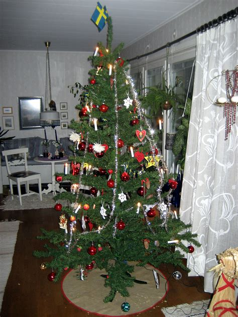 file christmas tree in sweden jpg wikimedia commons