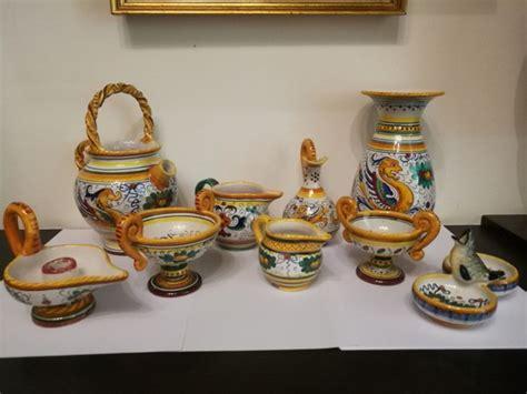 vasi ceramica deruta deruta lotto 9 vasi in ceramica dipinta a mano catawiki