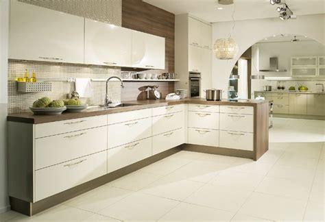 Wandgestaltung Badezimmer 3695 by K 252 Che In Creme Kitchen In Beige K 252 Che Magnolie