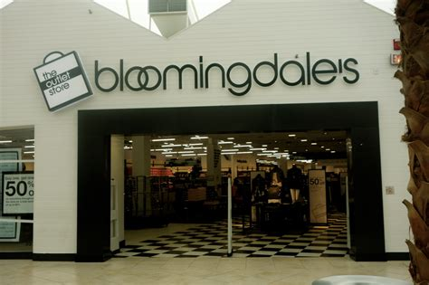 bloomingdale s outlet review living in the 305