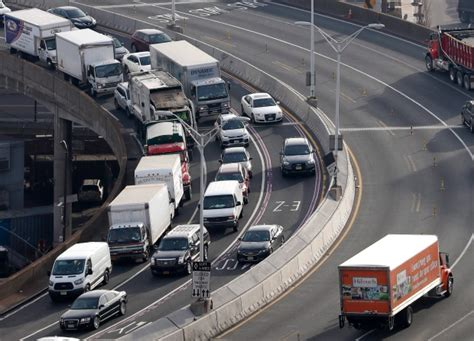 lincoln tunnel traffic report live serial toll evader with 12k tab arrested at lincoln