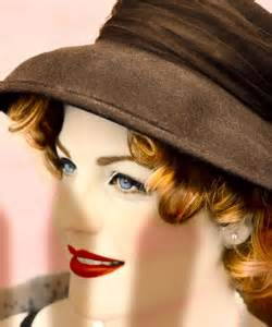 Hairstyles For Hats Curly Hair by Winter Hats For Curly Hair