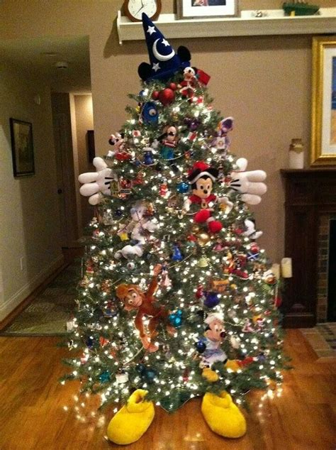 79 best disney christmas decorations images on pinterest