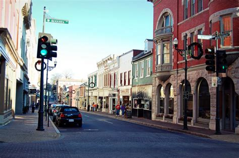 best mountain town to live in va here are 10 of the most charming small towns in virginia