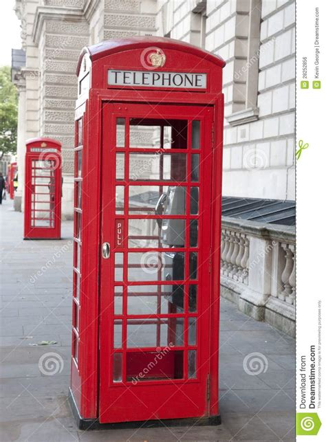 cabine telefoniche londra due cabine telefoniche rosse londra fotografia stock