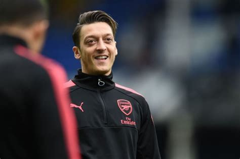 is juve arsenal and man utd target zidane s new scapegoat arsenal transfer news mesut ozil reveals he is in