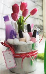 gift basket ideas diy mothers day gift baskets to make at home