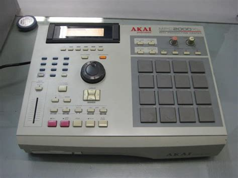 mpc 2000 xl tutorial video using the mpc2000xl for live shows maker of space