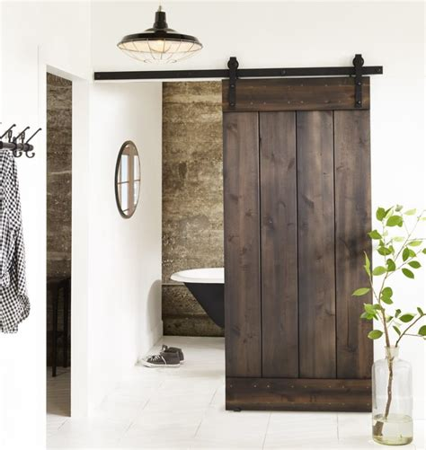 Cabin Bathroom Ideas bring some country spirit to your home with interior barn