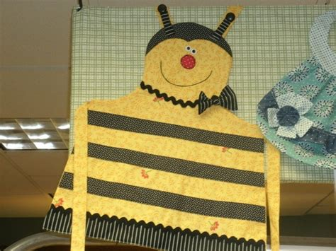 sewing bee apron little bee apron for kids so cute sew cute sew little