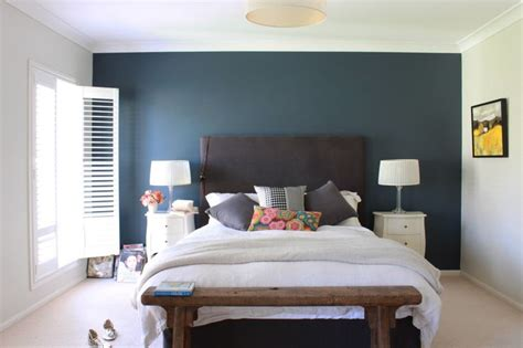 green feature wall bedroom pin by lien on house