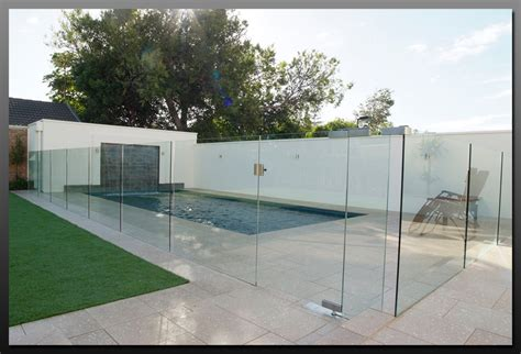 Advantage of Using Tempered Glass Fencing for Your