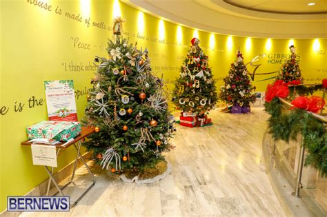 christmas trees decorated  charities bernews