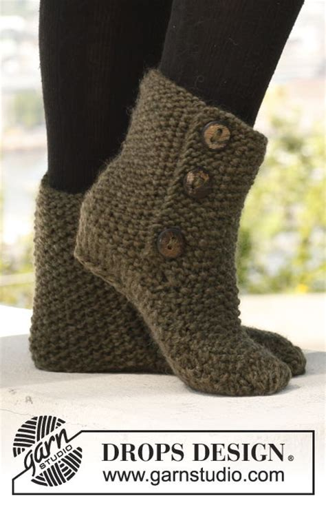 free pattern knitted slipper boots 8 free knitted crochet slipper boots patterns beesdiy com