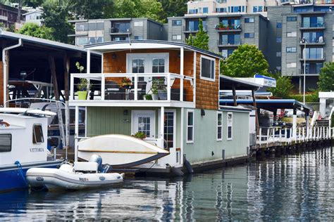 seattle house boat seattle houseboat the seahawk lake union living