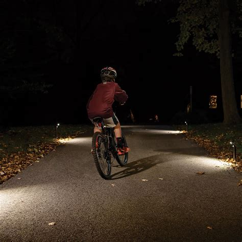 battery powered path lights mr beams mb596 outdoor wireless motion sensing 80 lumen