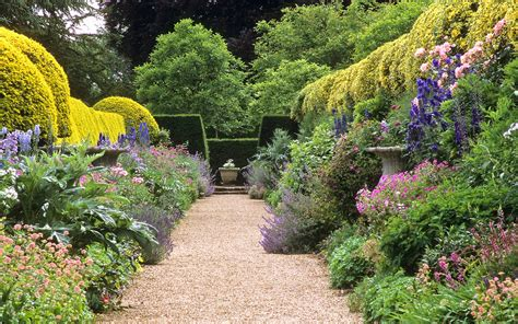 most beautiful gardens 18 of the world s most beautiful gardens