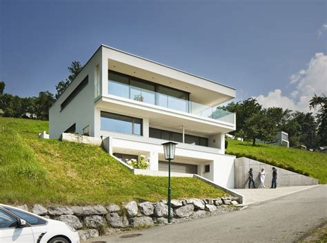 haus hanglage modern einfamilienhaus hanghaus klaus modern edelstahlpool