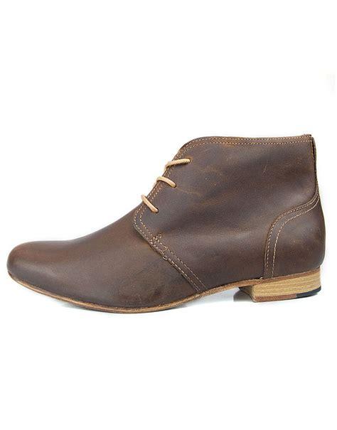 j shoes sloan women s mid brown glow leather chukka