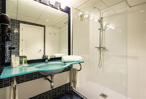 bathroom malaga sercotel m 225 laga in malaga starting at 163 33 destinia