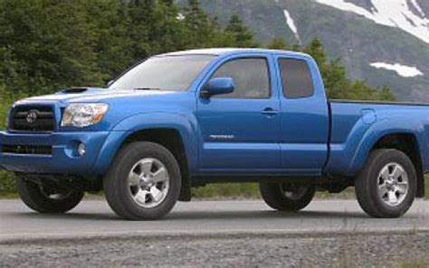 2008 toyota tacoma vs chevrolet colorado, dodge dakota