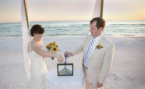 wedding traditions sand pouring ceremony 70 ideas for weddings bridalguide