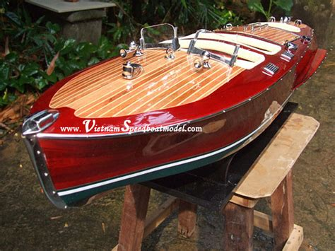 how to build a timber speed boat google search boats chris craft triple cockpit wooden speed boat model 007 lar