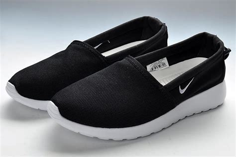 Nike Rosherun Slip On nike roshe run slip on mens black white black shoes