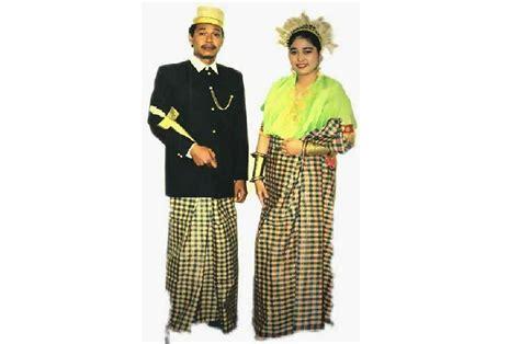 Nama Baju Daerah Sulawesi fashionable pakaian adat tradisional kulavi donggala