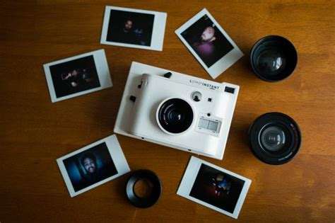 with instant photo review lomo instant