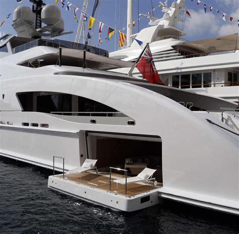 yacht kaufen luxus comeback reiche kaufen yachten die jedes hotel
