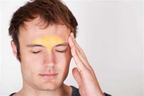 occhi e mal di testa mal di testa da sinusite sintomi e cura