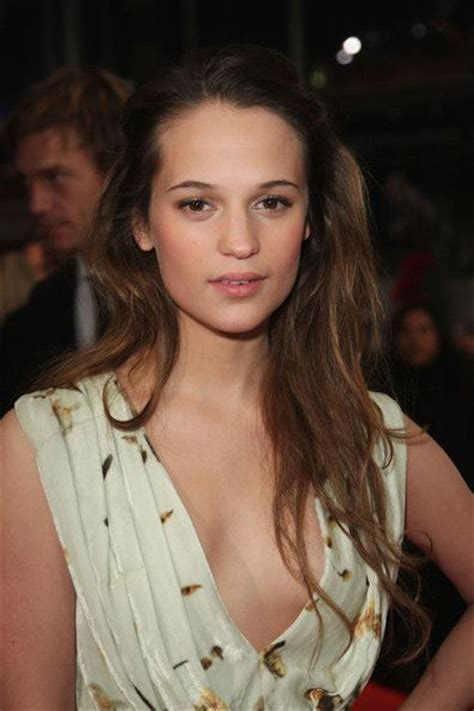 Alicia Vikander Hair Color   Hair Colar And Cut Style