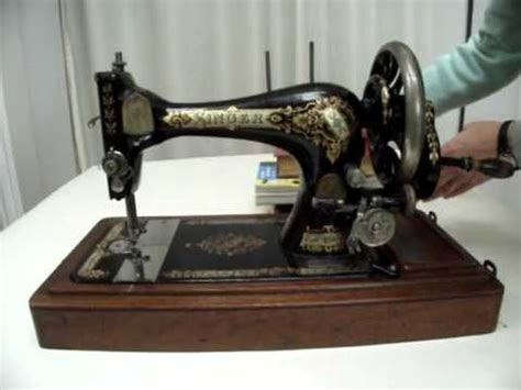 trash boat singer 1000 ideas about antique sewing machines on pinterest