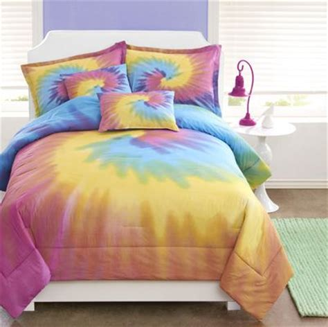 Bright And Sunny Colors In Rainbow Tie Dye Comforter