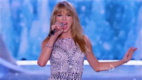 taylor swift style live victoria s secret victoria s secret fashion show taylor swift quot trouble