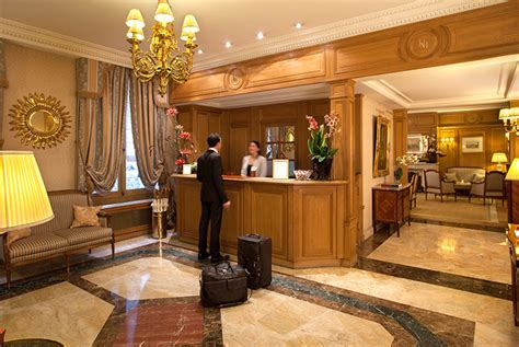 front desk officer h 244 tel 4 233 toiles concorde hotel louvre h 244 tel mayfair 1er