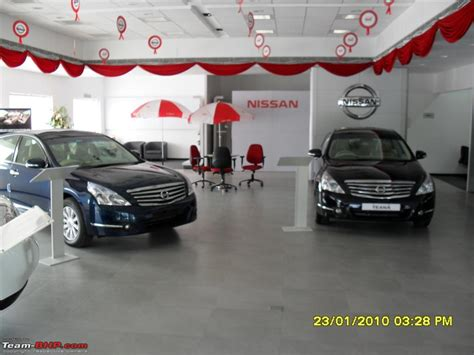 Toyota Delhi Showroom Car Dealers New Toyota In India Showrooms Pictures