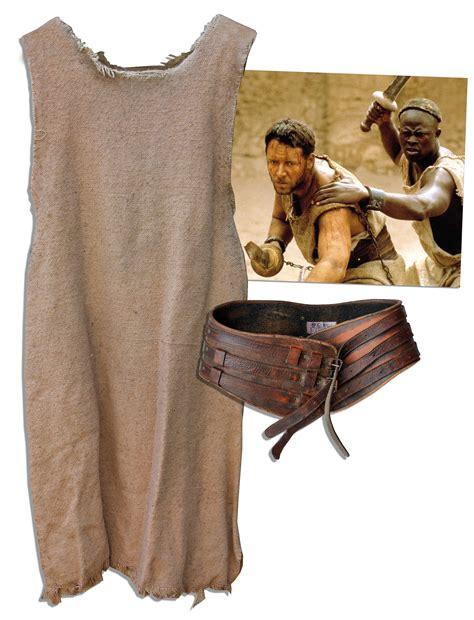 gladiator film costume designer lot detail russell crowe s own gladiator costume worn in